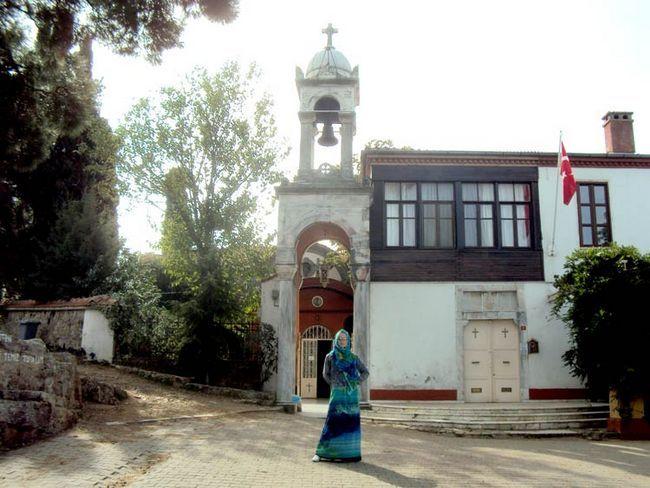 Прінцеви острова, пам`ятки: монастир святого Георгія
