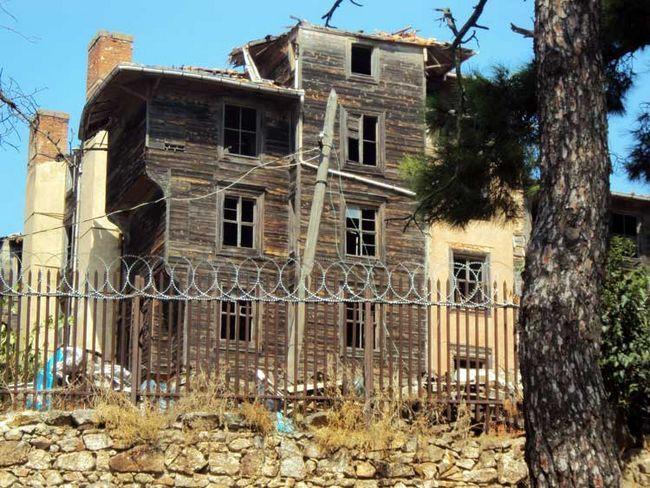 Пам`ятки Принців островів Стамбула: Грецький притулок