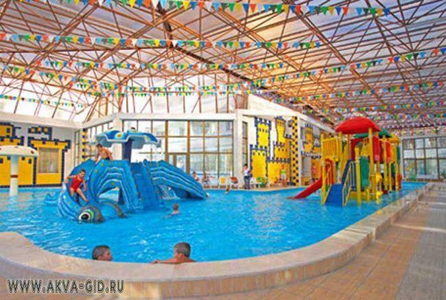 Готель «альбатрос джангл аква парк» в хургаді.