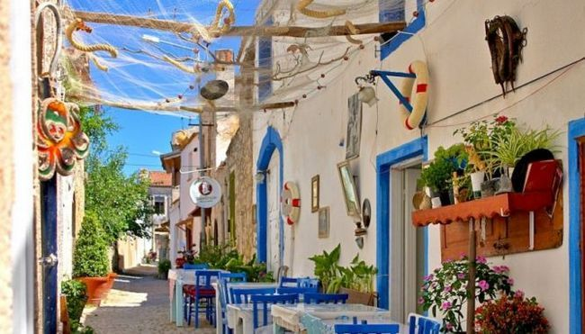 Алачаті або алчати (тур. Alacat) - столиця віндсерфінгу в егейському морі, туреччина