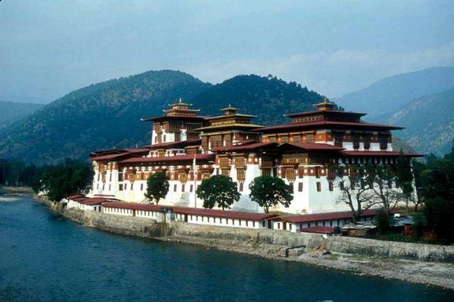 Бутан: календар подій на другу половину 2012 року