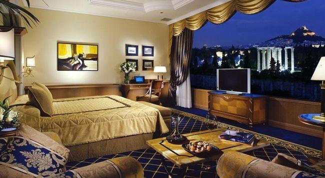 Кращі готелі Афін по співвідношенню ціни і якості: Royal Olympic Hotel.