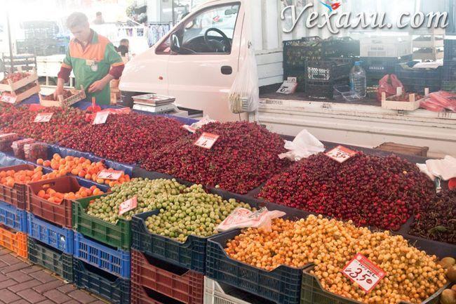 Вівторковий і суботній ринки Махмутлара.