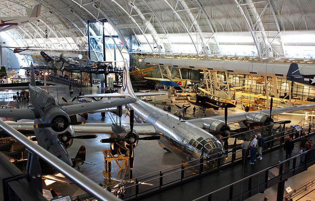 nacionalnyj-muzej-aviacii-i-kosmonavtiki