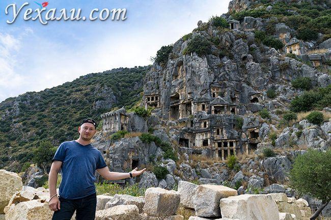 Стародавнє місто Демре Миру в Туреччині: лікійські гробниці.