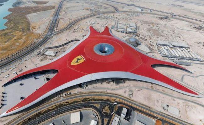 Ferrari world - це тематичний парк феррарі, острів яс в абу-дабі, оае