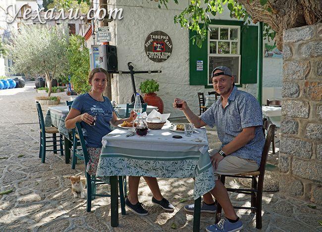 Кафе і вино на острові Ідра