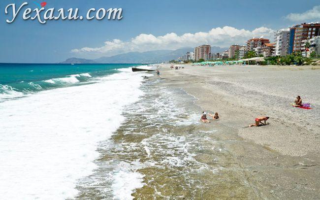 Де і як живуть росіяни в Туреччині: пляжі Махмутлара.