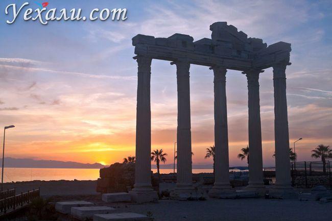 Пам`ятки Сіде, Туреччина: Храм Аполлона на заході