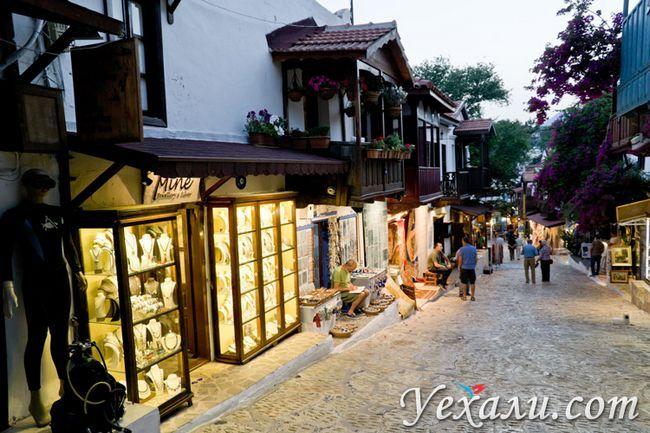Місто Каш в Туреччині: фото вулиць.