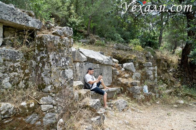 Місто Олімпос в Туреччині: лікійські гробниці