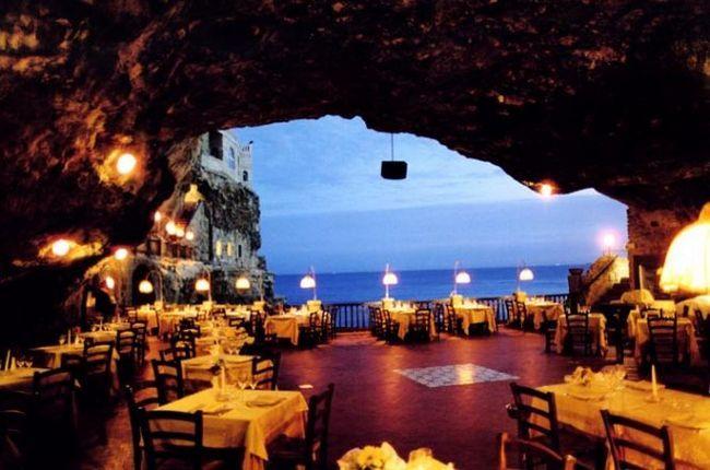 Grotta palazzese - готель-ресторан в гроті, апулія, італія
