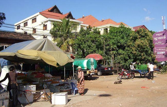 Дводенна екскурсія з Таїланду в Камбоджу: ринок.