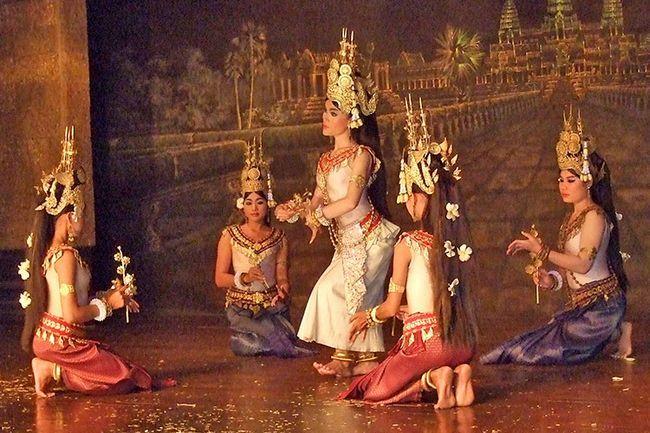Танець Апсара, Камбоджа.