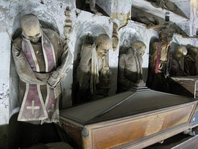 Катакомби капуцинів (catacombe dei cappuccini) - музей мертвих в палермо, італія
