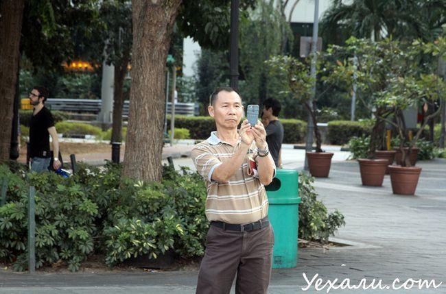 Фото людей в Сінгапурі