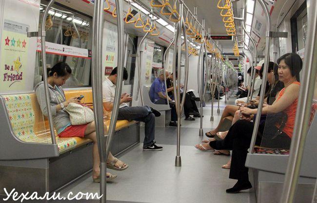 Фото метро в Сінгапурі