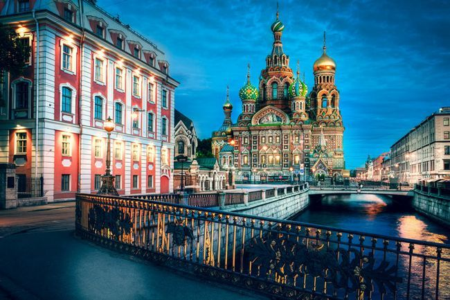 Дуже красиве місце Санкт-Петербурга: Храм Спаса на Крові