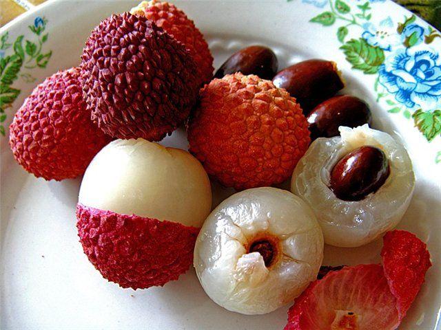 Екзотичний фрукт лічі (дракона очей)