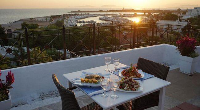 Кращі готелі афин по співвідношенню ціни і якості: в центрі міста, біля моря і з видом на акрополь