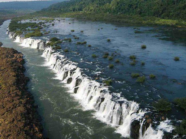 Мокона: єдиний в світі «паралельний» водоспад (аргентина)