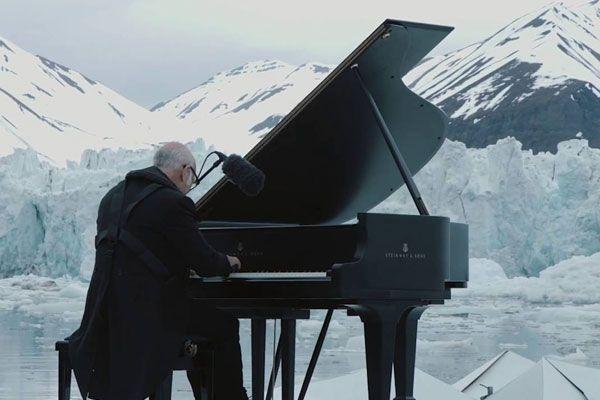 Музика вмираючої арктики: композитор виконав елегію у відкритому морі