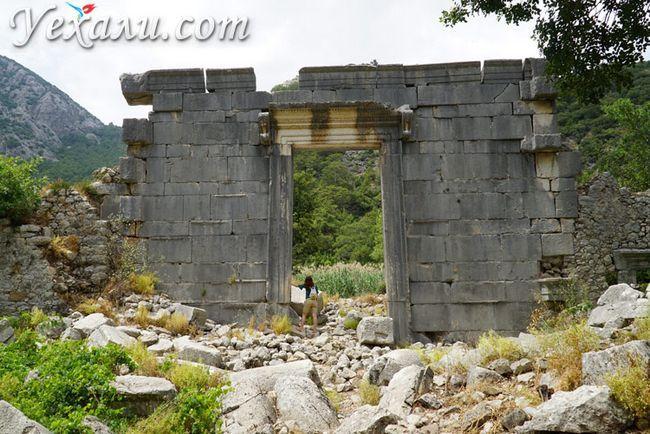 Стародавнє місто Олімпус в Туреччині