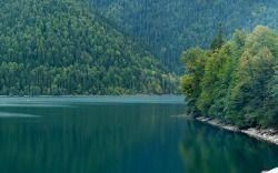 Невимовна краса озера ріца