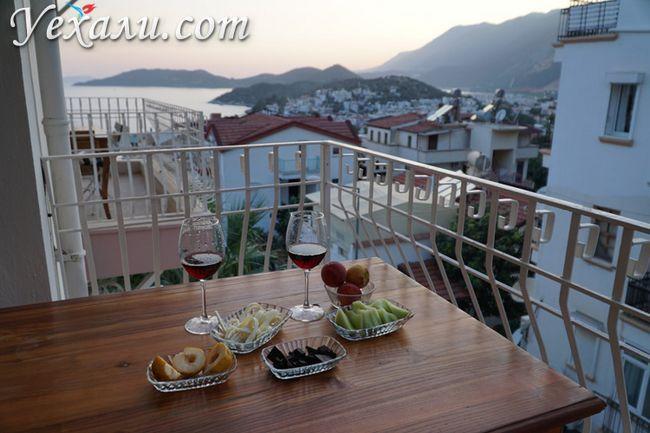 Готель у Каші з видом на море