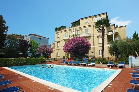 Готелі італії