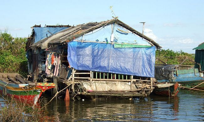 Озеро Тонлесап в Камбоджі, фото плавучої села.