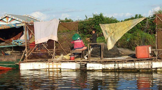 Озеро Тонлесап в Камбоджі, фото рибалок.