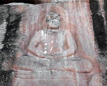 Пакистан: понівеченого талібами древньому будді в пакистані відновлять обличчя