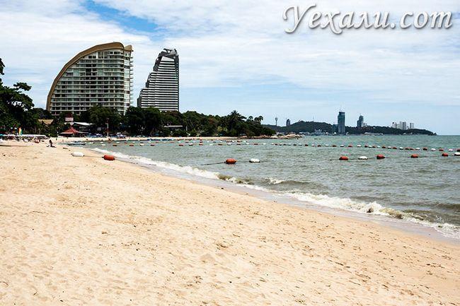 Пляж Вонгамат - найчистіший в Паттаї.