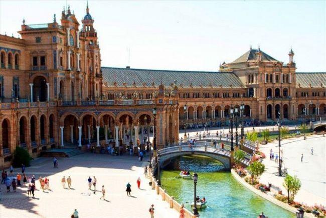 Площа іспанії (plaza de espana) - пам`ятка севільї