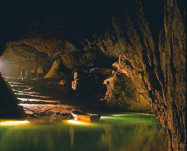 Підземні річки і озера