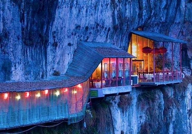 Ресторан fangweng, обід в печері sanyou і над прірвою, китай