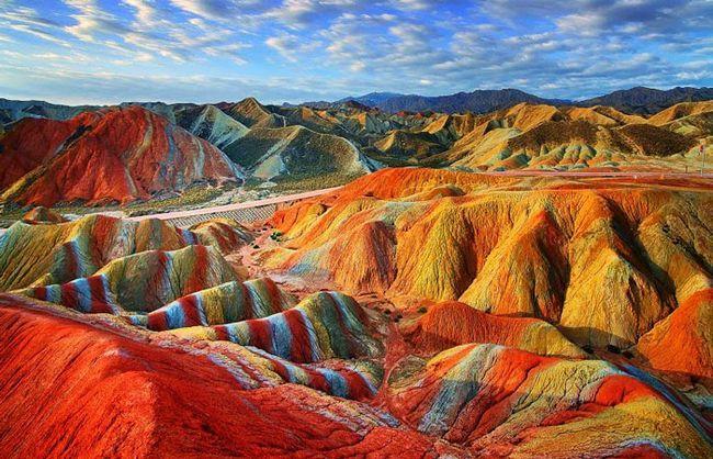 найкрасивіші місця світу: Кольорові скелі Чжан`е