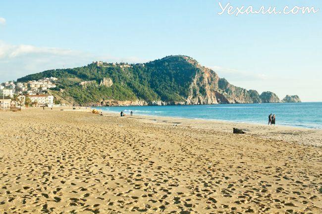 Кращі пляжі Туреччини: пляж Клеопатри в Аланії.