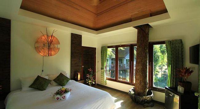 Найнезвичайніші готелі Таїланду: Rock and Tree House Resort, національний парк Као Сок, Сураттани.