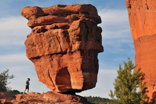 Найнеймовірніші скелі землі