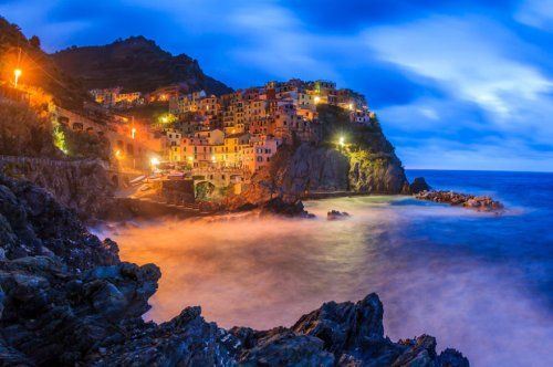 Наймальовничіші міста, зведені на скелях