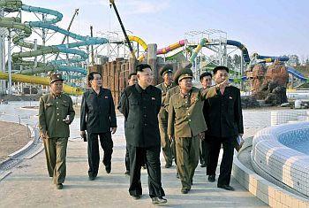 Північна корея допустить іноземних туристів до власних громадян