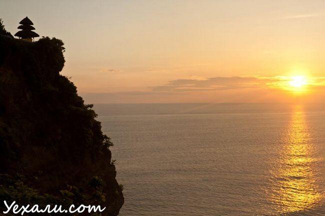 Кращі фото заходу: Балі, храм Улувату