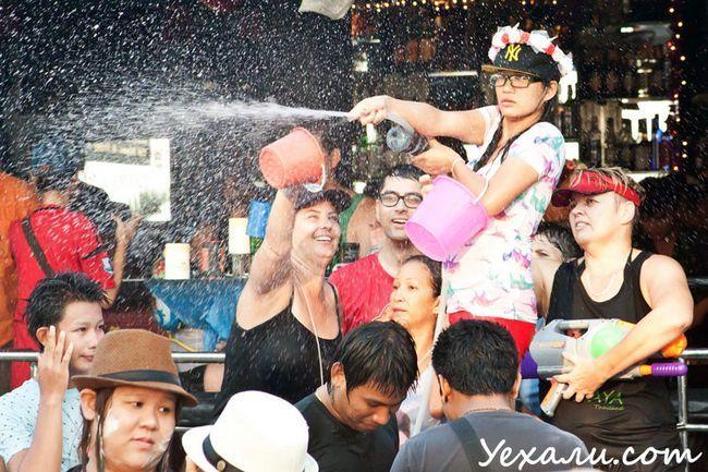 Сонгкран (тайський Новий рік)