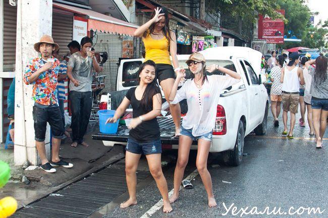 Сонгкран, тайський Новий рік, у Паттаї