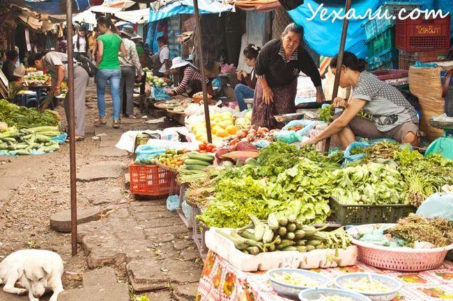 Вуличний ринок у В`єнтьяні