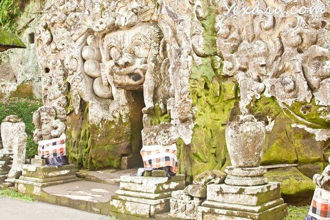 Пам`ятки Балі: печера Гоа Гаджі