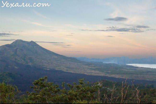 Вулкан Батура на Балі, Індонезія