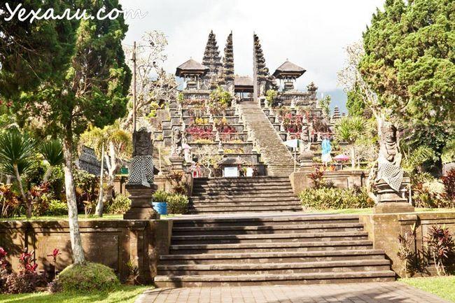 Пам`ятки Балі: храм Бесакіх